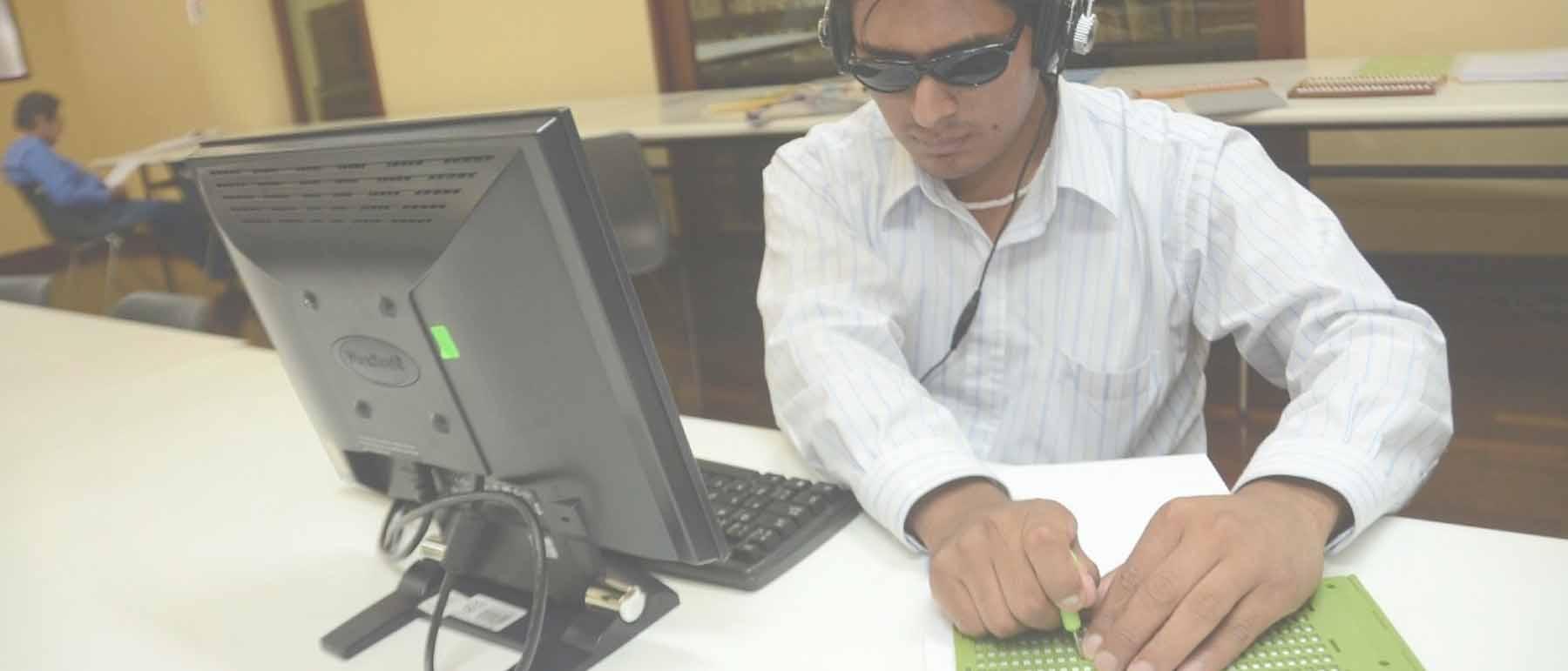 trabajadores con discapacidad visual