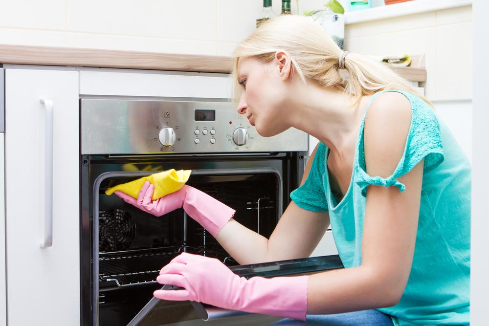 cómo limpiar el horno con bicarbonato