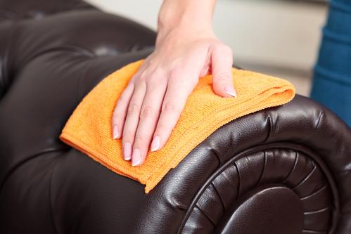 cómo limpiar un sillón de cuero