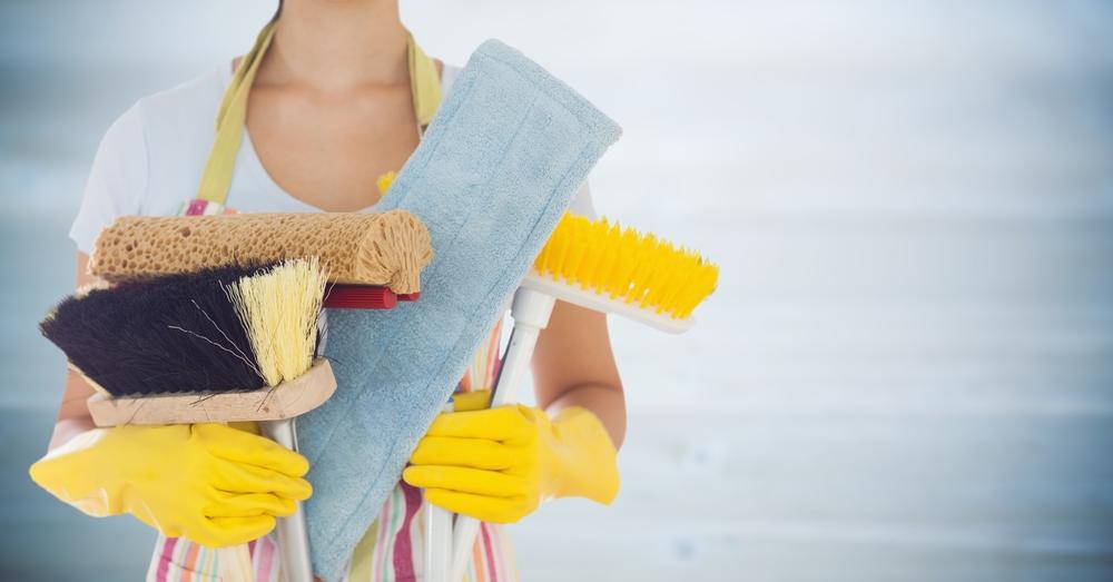 Cómo limpiar madera encerada