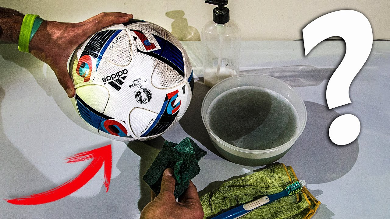 cómo limpiar un balón de futbol