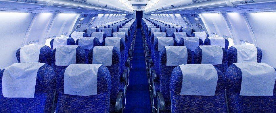cómo limpiar un avión después de un vuelo