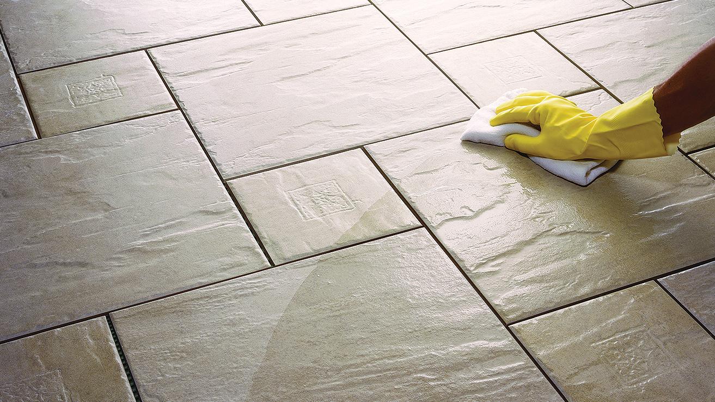 cómo limpiar el piso de cerámica para que brille