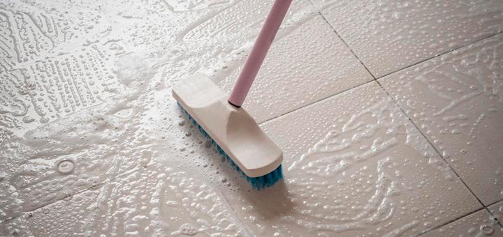Limpiar suelos muy sucios