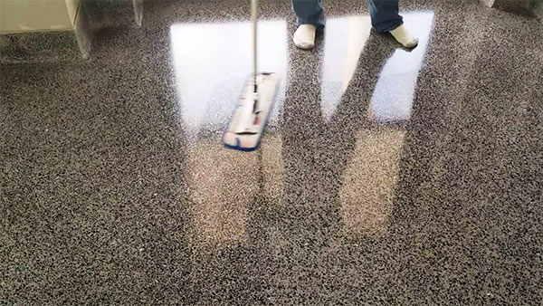 Limpiar terrazo poroso