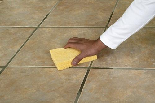 Cómo quitar manchas suelo de cerámica