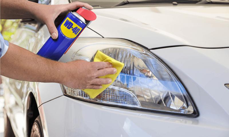 Cómo limpiar los faros del coche