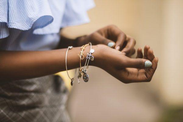 Cómo limpiar pulseras de plata