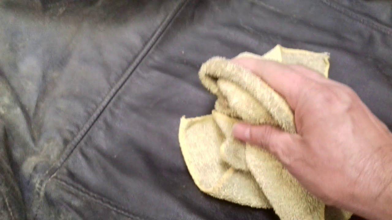 Cómo limpiar una chaqueta de cuero